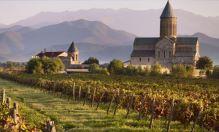 Bůh svtořil Gruzínce a Gruzínec stvořil božský nápoj... víno